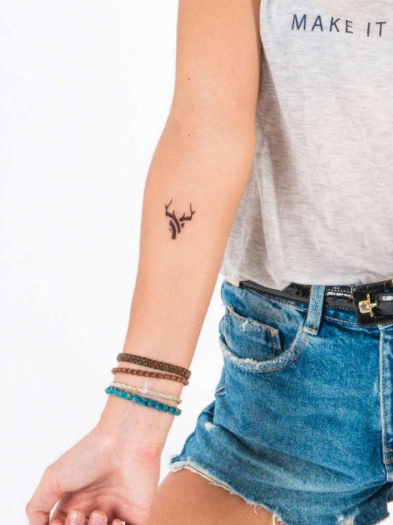 tatuaje geometría ciervo
